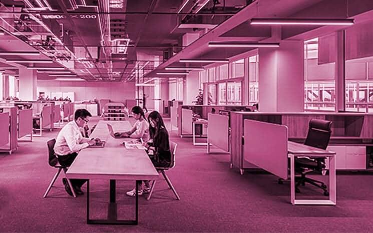 Com quantos profissionais se faz uma startup?
